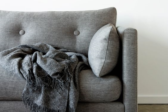 szara-sofa-1
