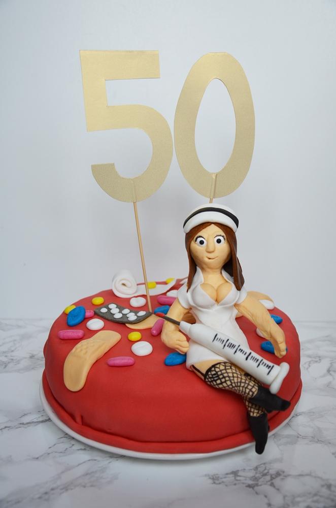 tort urodzinowy pielęgniarka
